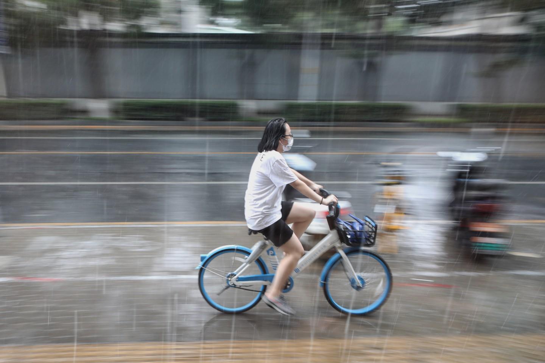 北京今夏雨量20年最多!中国降水线正在北移?