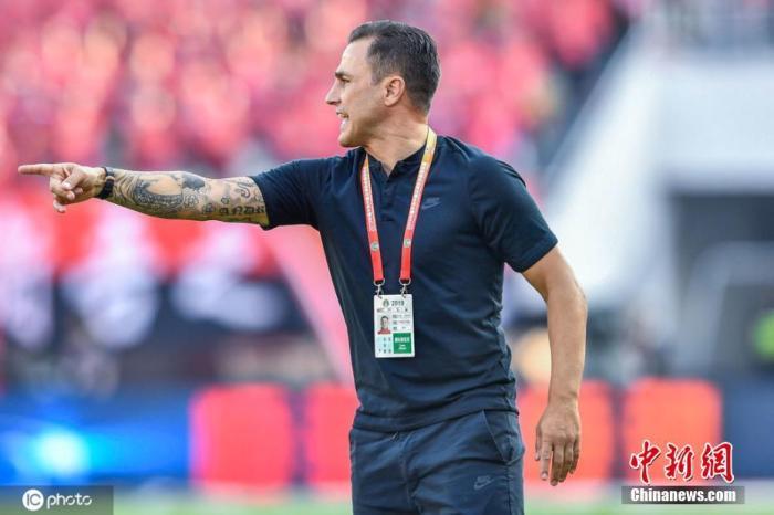广州队官方:俱乐部和主教练卡纳瓦罗终止合约