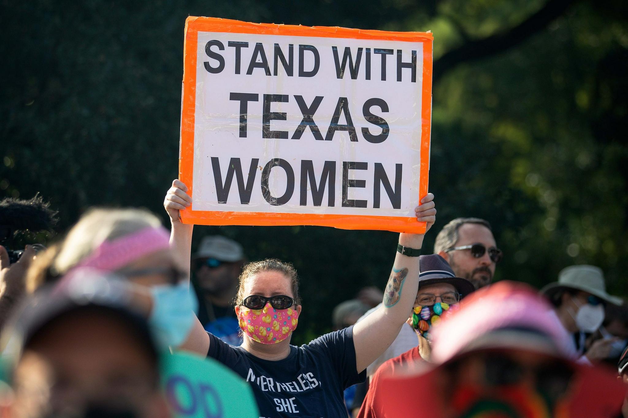 """实施刚满1个月,美国得州""""最严堕胎法""""被临时禁止"""