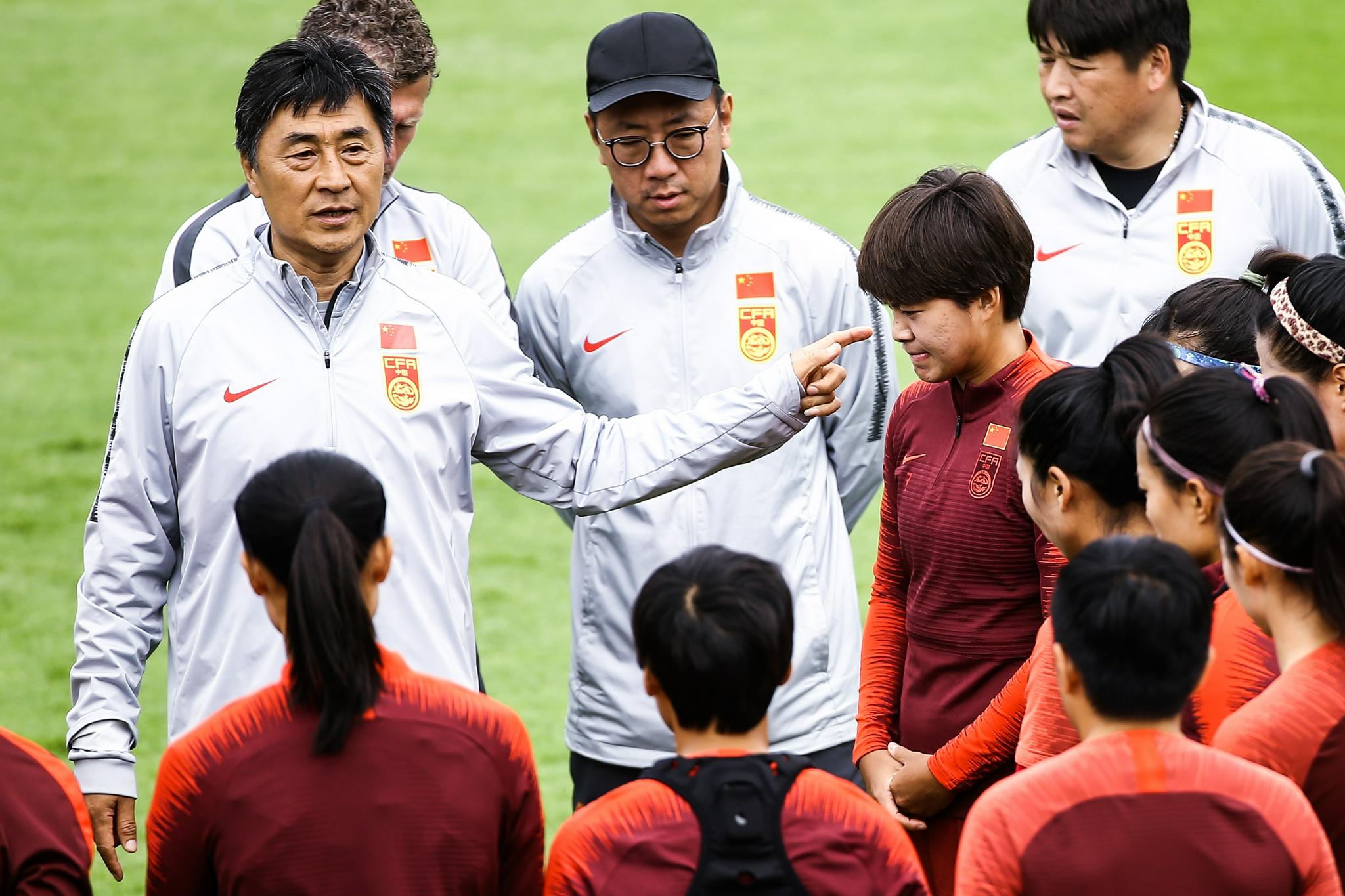 贾秀全离任留下一地鸡毛 中国女足的未来在哪?