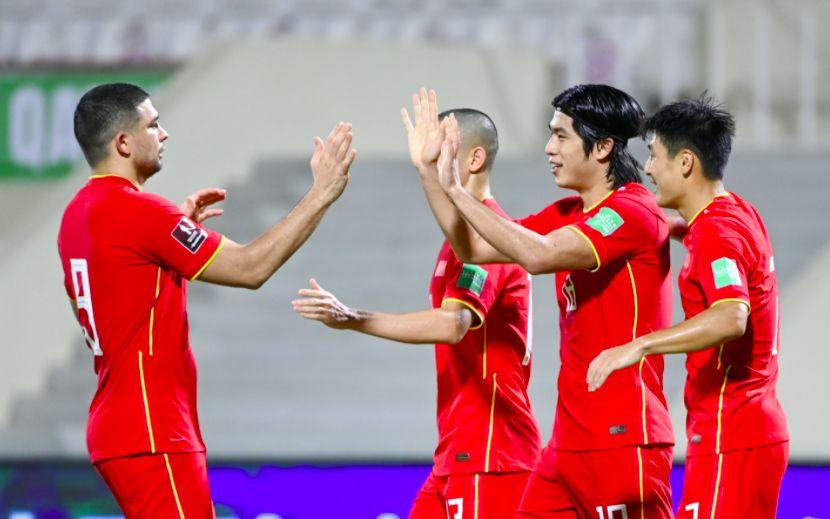 国足将士抵达沙特 将迎12强赛以来最艰苦一战