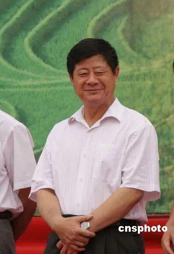 """年近70岁的牛年""""首虎""""被公诉:曾大谈反腐 被称""""造市高手"""""""