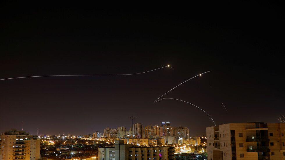 250枚火箭弹从加沙飞向以色列 以方报复性空袭