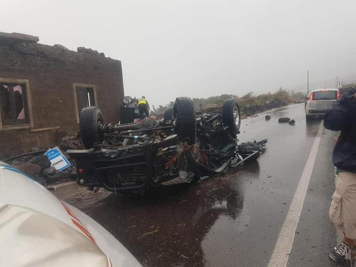 意大利潘泰莱里亚岛遭遇龙卷风袭击 已致2人死亡