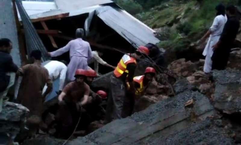 大雨袭击巴基斯坦西北部开普省 造成至少14人死亡