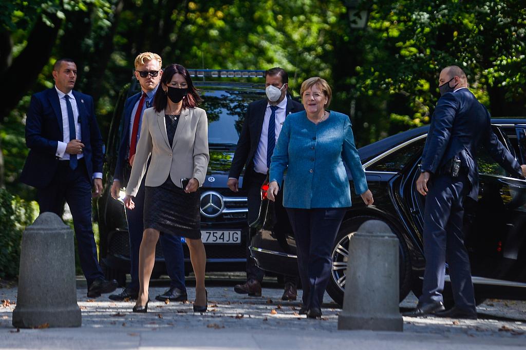 """默克尔对波兰进行访问,却遭波兰总统杜达""""羞辱"""""""