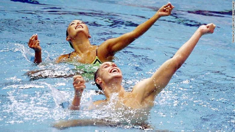 打破歧视!男子花样游泳选手正重新定义男子气概