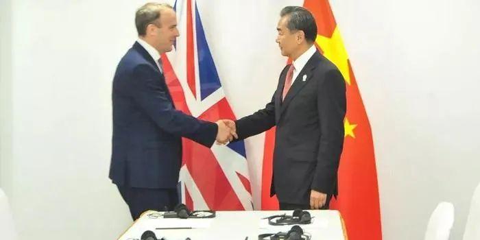 补壹刀:英国议会不让中国大使进门 谁撺掇的?