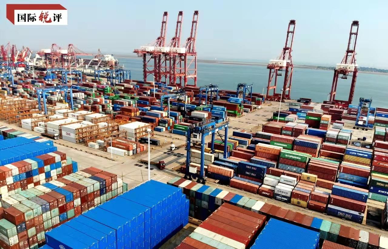 """国际锐评:中国仍是全球经济增长的""""独特支柱"""""""