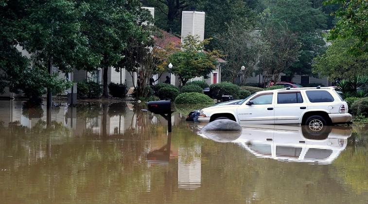 美国亚拉巴马州发生特大洪水 致4人死亡