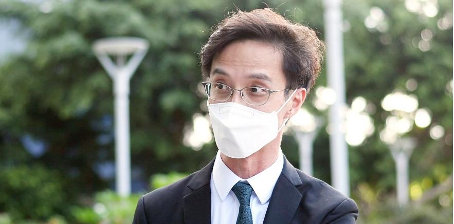 港媒:第三批区议员宣誓 16人宣誓无效需离任