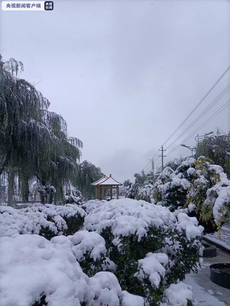 受降雪影响 甘肃境内两条高速公路施行临时交通管制