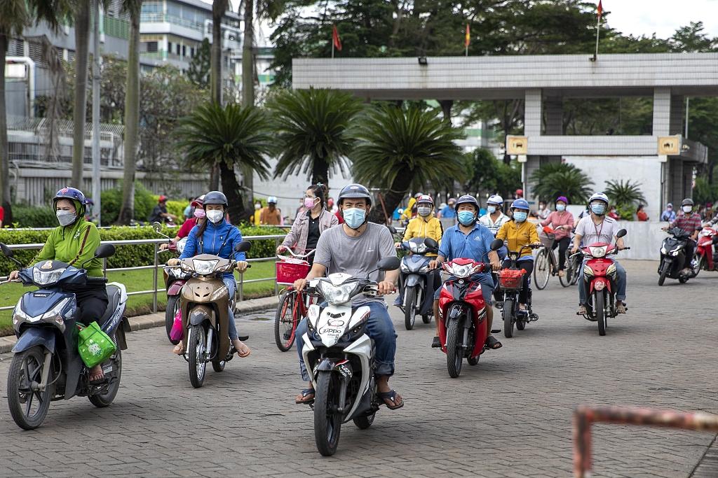 越南现大规模民工返乡潮:企业陷入用工荒 全球供应链受创