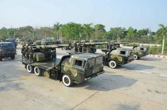 缅甸KS-1A导弹参加阅兵