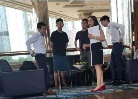 """欧美最新电影排行榜 哪些""""外部势力""""在搅乱香港?侠客岛谈到这几个人"""