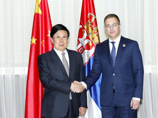 当地时间5月19日,国务委员、公安部部长赵克志在贝尔格莱德与塞尔维亚副总理兼内务部部长斯特凡诺维奇举行会谈。