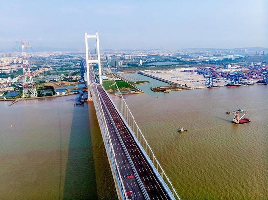 新京报:差距越来越大 北方省市该