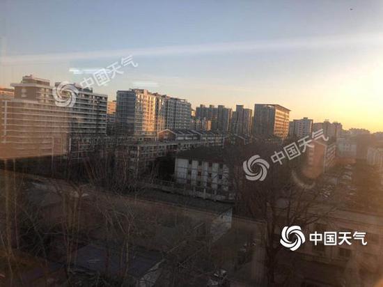 今天,北京天气晴朗。