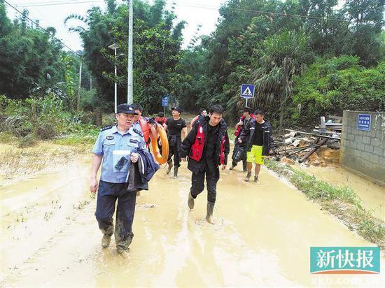广州雨到?#23376;?#22810;大?一个镇一天下了北京半年的雨