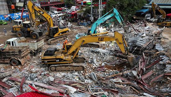 柬埔寨大楼坍塌致28死 涉事中国