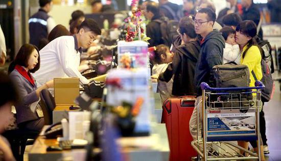 机师罢工事件造成不少班机相继取消(图源:台媒)