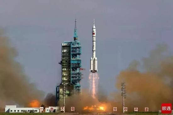 2001年1月10日,中国第一艘正样无人飞船神舟二号发射成功