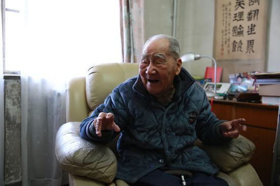 中国翻译界泰斗许渊冲逝世 享年100岁