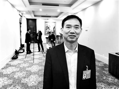 朱洪武接受北青报记者采访