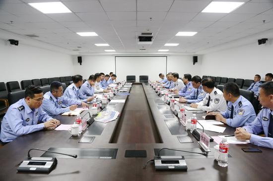 葫芦岛市局来辽阳市局考察营商环境建设一分极速快三