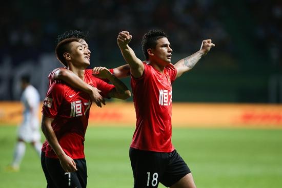 """富二代王思聪 中国青年报:除了""""归化"""" 中国足球还有啥?"""