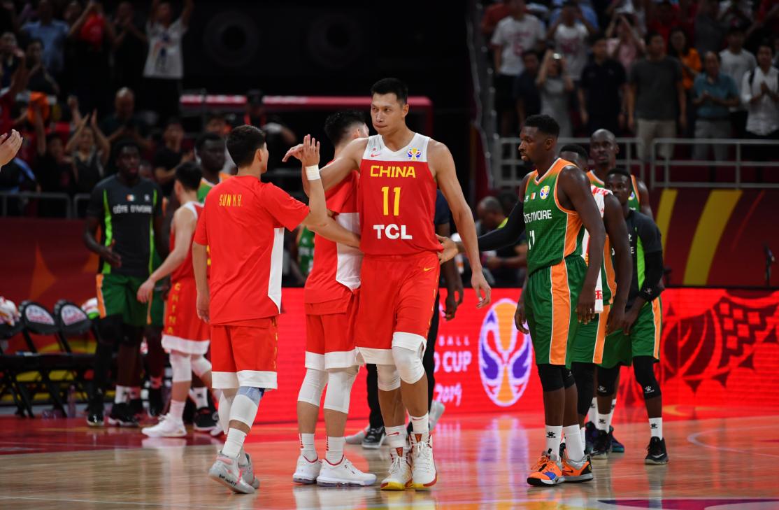 变性男子成功怀孕生下女儿 首战三分球10中1,中国男篮对波兰要怎么打?