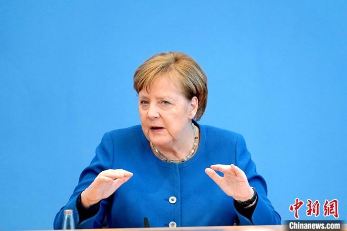3月11日,德国总理默克尔临时举行记者会,首度向国民阐述德国政府对疫情的判断以及核心应对策略。中新社记者 彭大伟 摄