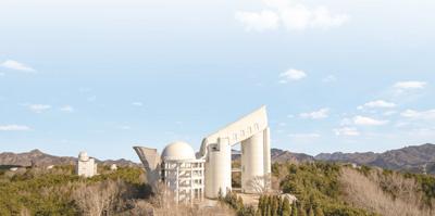 中国科学院国家天文台兴隆观测站的郭守敬天文望远镜。</p><p>人民视觉