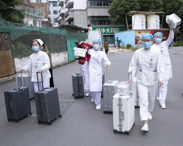 媒体综述:中国加大抗疫人员以及资金投入