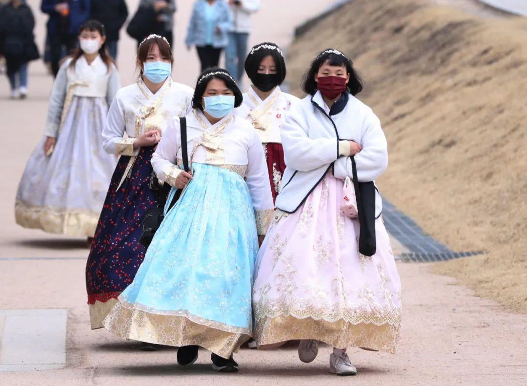 """韩国又增142例!""""超级传播事件""""受关注"""
