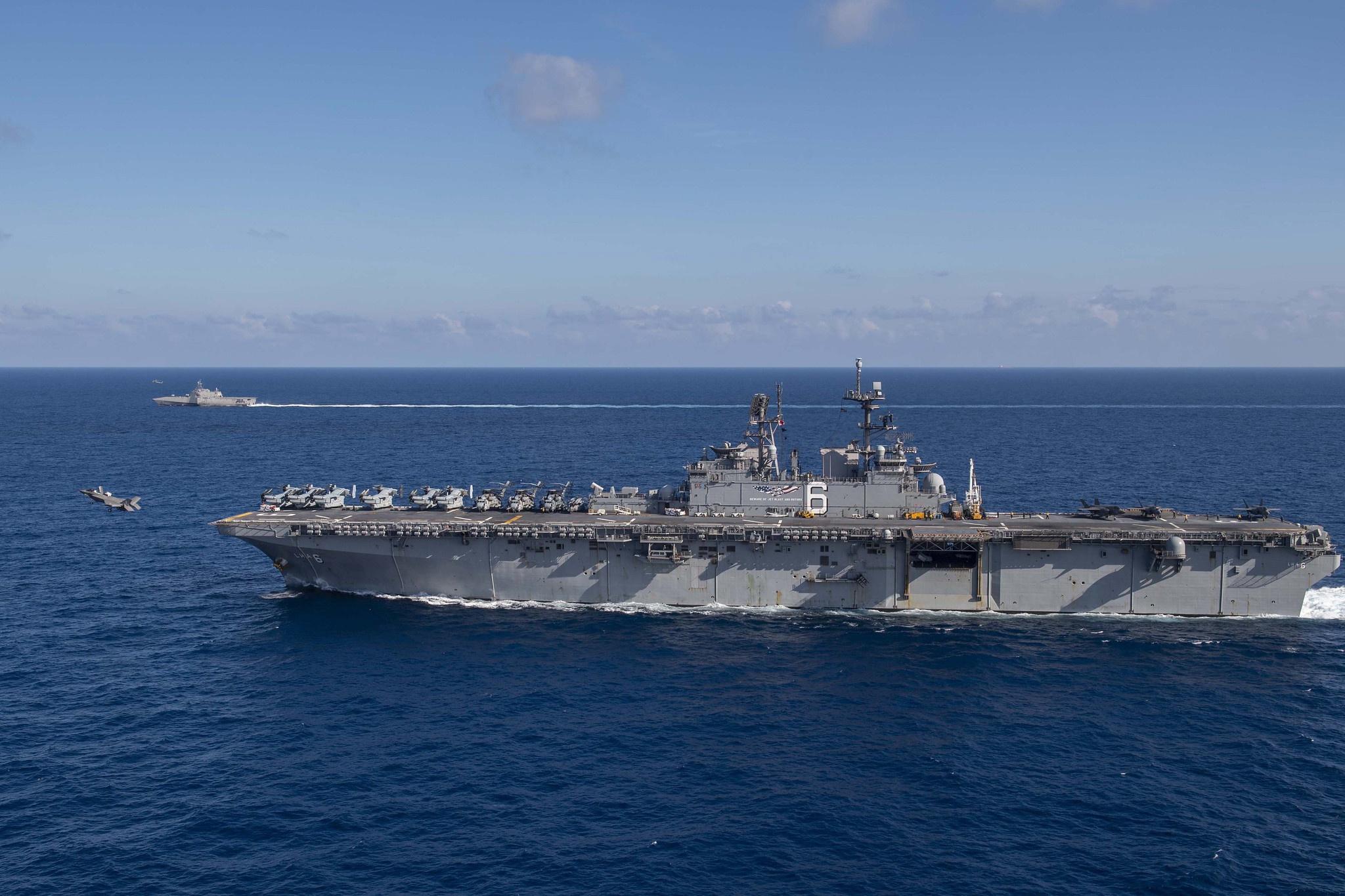 美國準航母帶瀕海戰斗艦擅闖南海 還起降F-35戰機