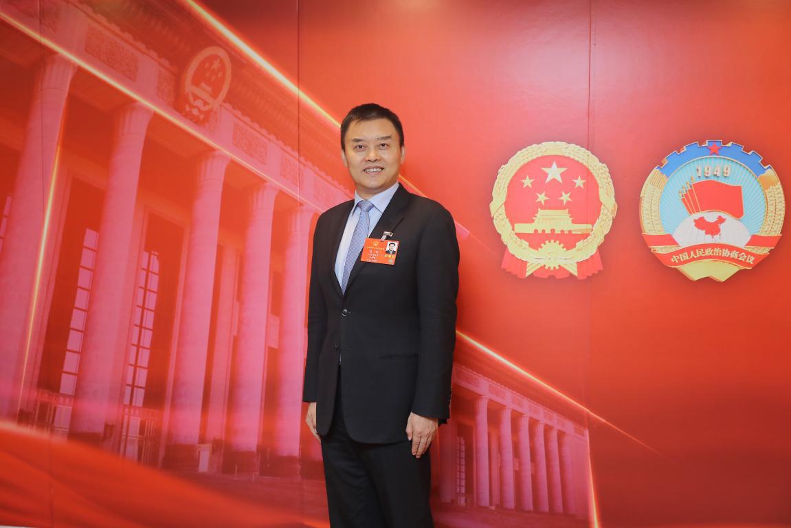 全国人大代表姜明:营造法治化营商环境 激励企业家精神