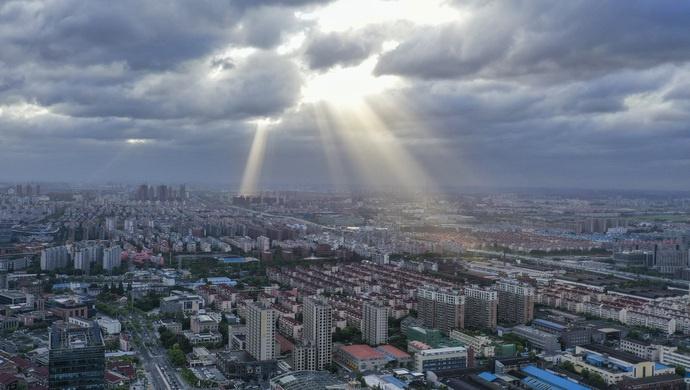 2020年,政府怎么走过来的?上海市长:预算压减10%以上,还有……