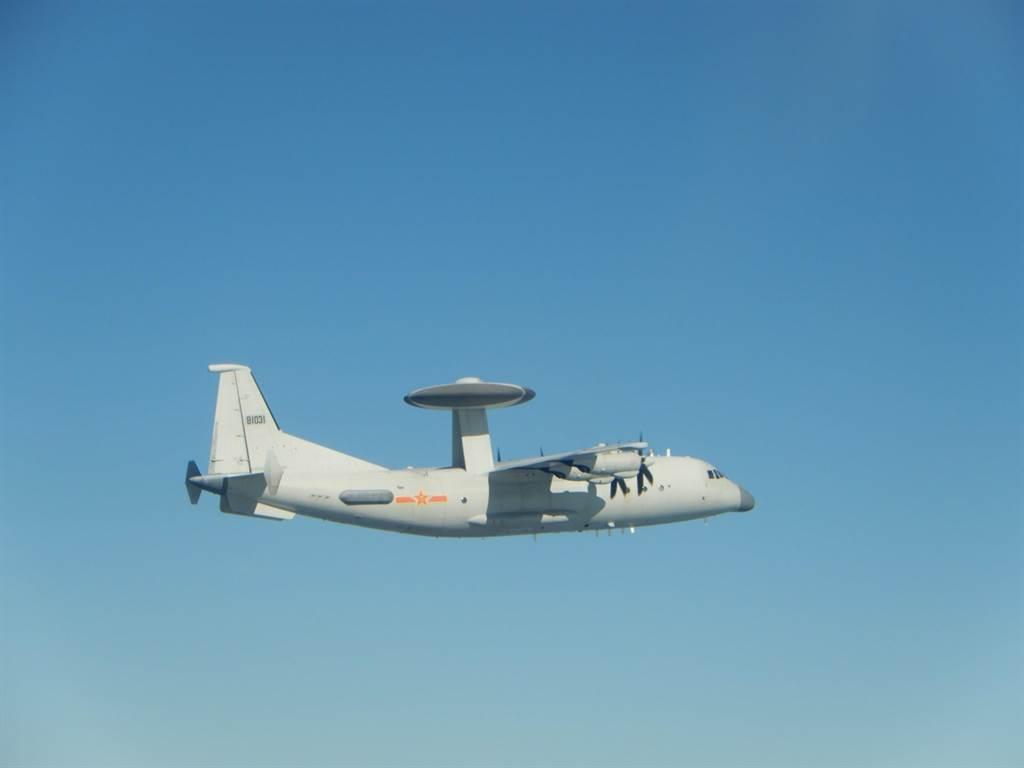 单日架次创新高 25架次解放军军机昨日入台西南空域