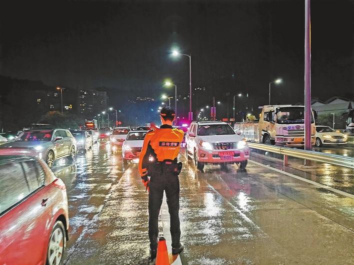 全市道路交通安全平稳有序 返程未现明显集中高峰