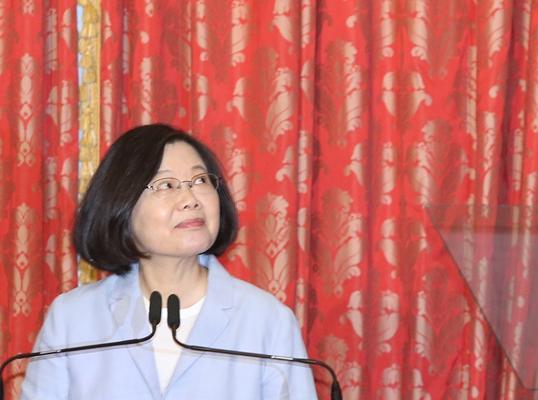 蔡英文稱台灣今年成四小龍第一被批:除了騙還是騙
