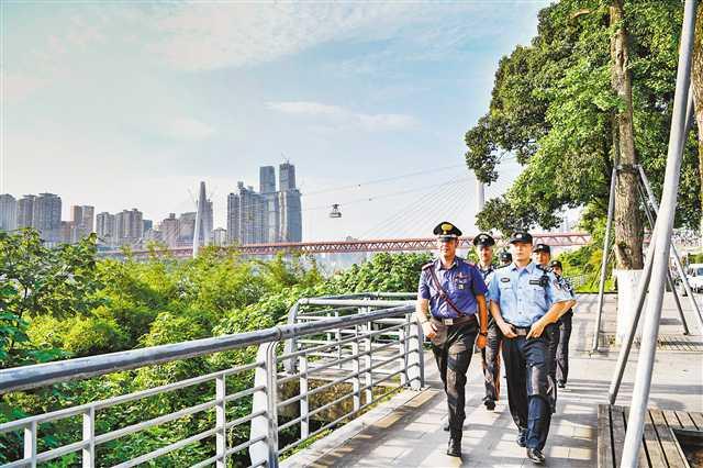 意大利警员盛赞重庆是座绝妙的城